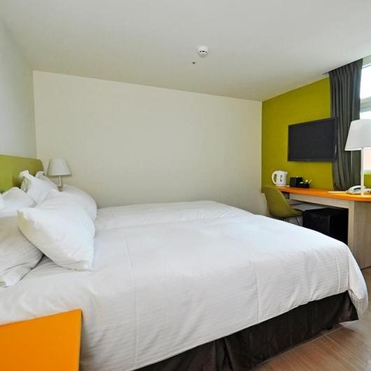 精緻雙人房兩小床
