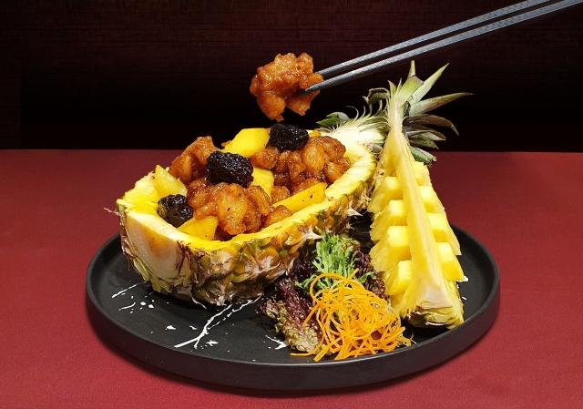 飯店餐飲業推鳳梨入饌 蜜棗菠蘿嫩雞球