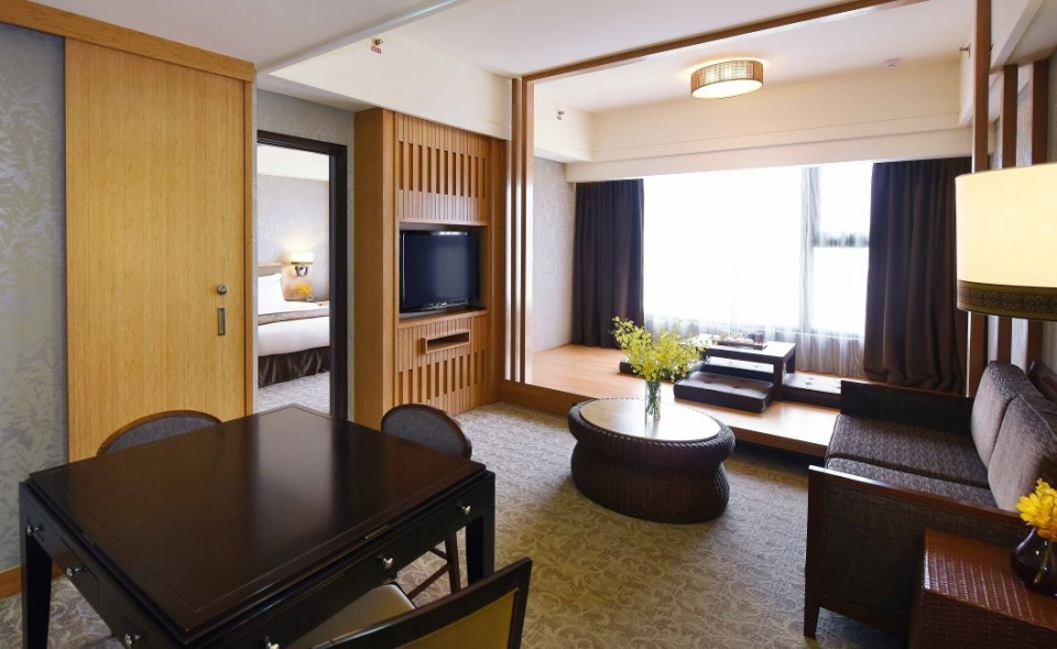 Japanese / Western Suite (city view)