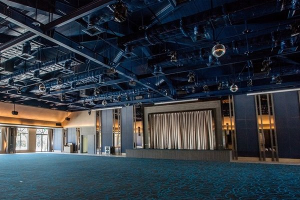 顶级影音设备宴会厅